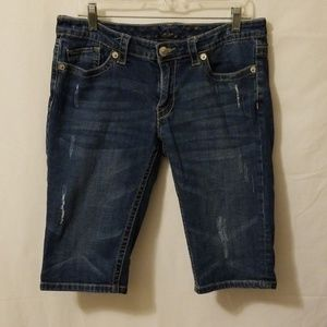 Seven 7 Shorts Sz 10 beautiful Design Back Pockets